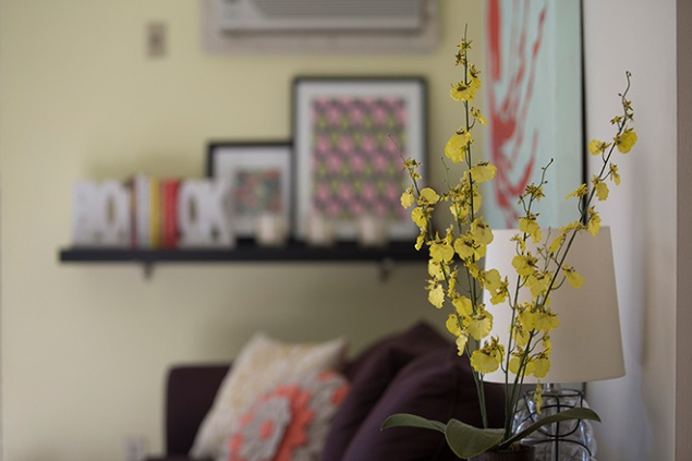 Yellow is sociable, airy and inviting and gives the most lived-in room of my nest the right amount of cheer and calm. Peppered with chili red and cool hues, the space emanates glee and celebrates curiosities. (Photo: Mike Gruszynski, G6 Studios)
